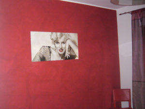 tinteggiatura parete velatura rosso bordo appartamento assisi