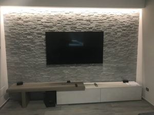 parete pietra interna camera