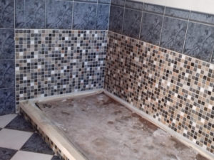 piastrelle mosaico box doccia